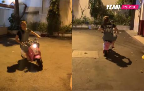 """Dù ai nói ngả nói nghiêng, Mỹ Tâm vẫn """"đi bão"""" cổ vũ ĐT Việt Nam trên chiếc xe đạp hồng huyền thoại"""