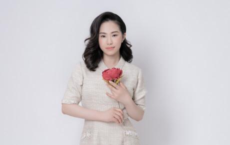 """Sau """"Anh chưa từng"""" Lương Bích Hữu tung teaser MV mới về mẹ"""