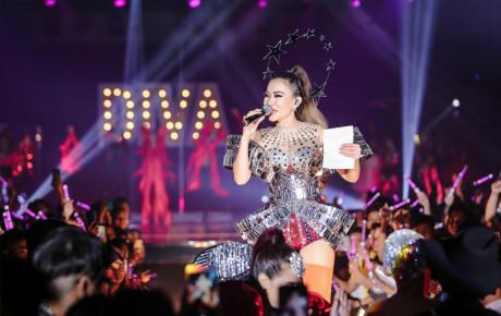 Thu Minh tổ chức showcase DIVA hoành tránh với sự tham dự của loạt sao Việt hạng A cùng thời trang độc lạ