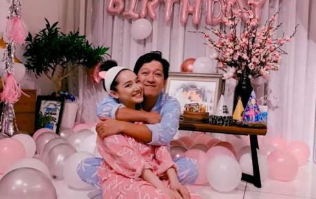 """Nhã Phương tự làm clip chúc mừng sinh nhật """"anh xã"""": """"Cả thế giới cứ để em lo"""""""