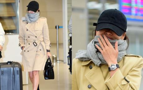 Trùm kín mặt, đôi chân gây trơ và tiếp tục không đeo nhẫn cưới, Song Hye Kyo khiến fan lo lắng trăm bề