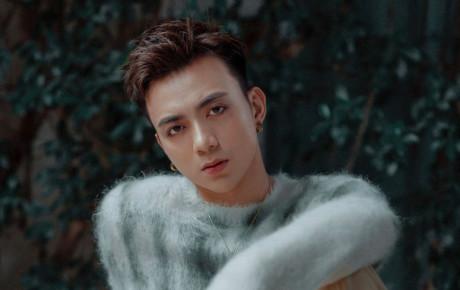 """""""Hoàng tử ballad"""" Soobin Hoàng Sơn trở lại với dòng nhạc """"tủ"""", MV kích tính như phim"""