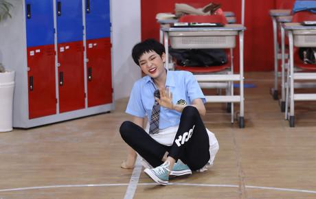 """Hiền Hồ """"đứng hình mất 5s"""" khi phát hiện ra mình chung đội với cặp đôi Thỏ - Ngô Kiến Huy và Jun Phạm"""