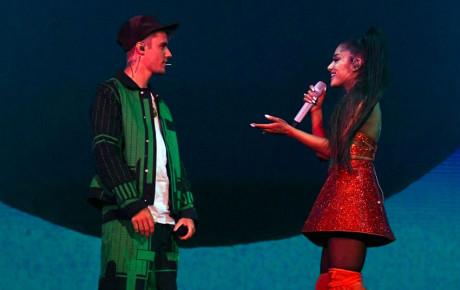 Clip: Justin xuất hiện bảnh bao như thời tuổi teen, collab đỉnh cao cùng Ariana Grande tại Coachella