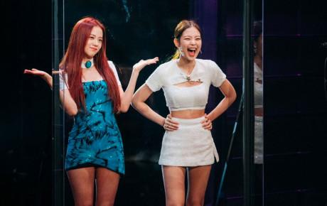 """Chỉ một thử thách nhỏ, Jisoo """"bánh bèo"""" đột nhiên mạnh mẽ, rapper Jennie sang chảnh không giấu được vẻ bánh bèo"""