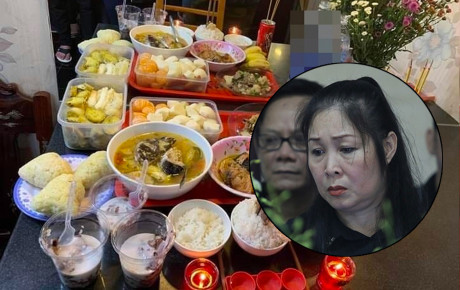Mâm cơm chia tay trên bàn trang điểm và lời tiễn biệt cuối cùng của Hồng Vân dành cho người em nghệ sĩ Anh Vũ