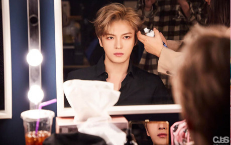"""""""Đỉnh cao visual"""" 11 năm của Kpop, Kim Jaejoong vẫn phong độ ngút trời trong bộ ảnh mới"""