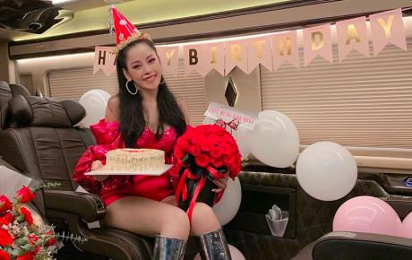 """Bạn trai người Hàn """"thả thính"""" tiếng Việt trong ngày sinh nhật, Chi Pu hỏi lại cho chắc ăn: """"Yêu thế?"""""""
