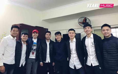 """Mối quan hệ đặc biệt giữa Trịnh Thăng Bình với Duy Mạnh, Quang Hải và dàn tuyển thủ Việt đang """"hot"""" nhất trên sân cỏ"""