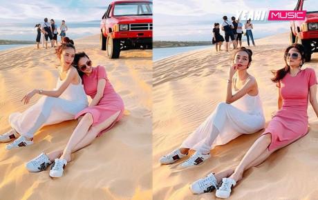 """Cùng diện giày đôi, chụp hình tình tứ trên đồi cát, Hương Giang - Yoshi khiến CĐM """"bấn loạn"""""""