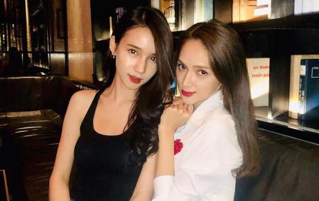 """Hương Giang và """"thần tiên tỷ tỷ"""" Thái Lan chung một khung hình: Ai xuất sắc hơn ai?"""
