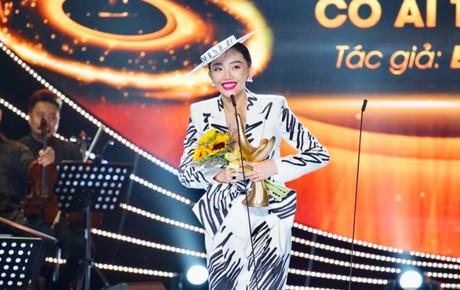 Cống Hiến 2019: Ca khúc của năm vang lên giai điệu 'CATENA' và khoảnh khắc Tóc Tiên vỡ òa hạnh phúc nhận giải