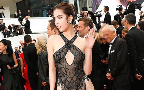 Phản ứng trái chiều của netizen xứ Trung về màn khoe thân gợi cảm của Ngọc Trinh tại Cannes