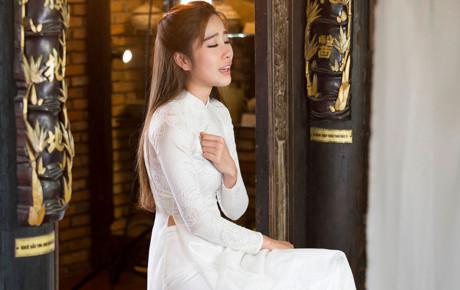Trường Giang tổ chức sinh nhật cho Nhã Phương, Nam Em đăng status đầy ẩn ý