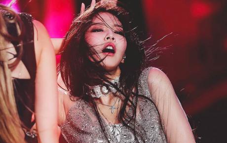 """Vắng Jennie giữa chừng, các thành viên BLACKPINK đã """"chữa cháy"""" loạt sân khấu như thế nào?"""