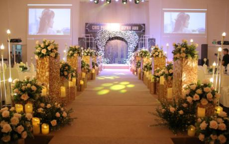 Hình ảnh đầu tiên về không gian tiệc cưới của Hot YouTuber Cris Phan và Mai Quỳnh Anh ở Sài Gòn
