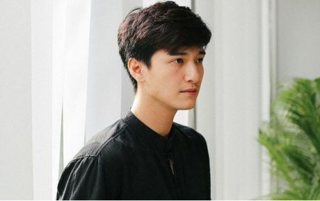 """Vẫn chứng nào tật nấy: Huỳnh Anh tiếp tục bị nhà sản xuất """"cạch mặt"""" vì đi trễ, thiếu chuyên nghiệp"""
