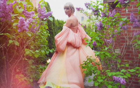 """Tung ảnh nhá hàng thơ mộng, Taylor Swift sẽ hồi sinh """"công chúa nhạc đồng quê""""?"""